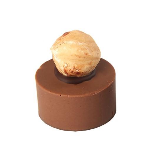 Pralinka nugátová s ořechem